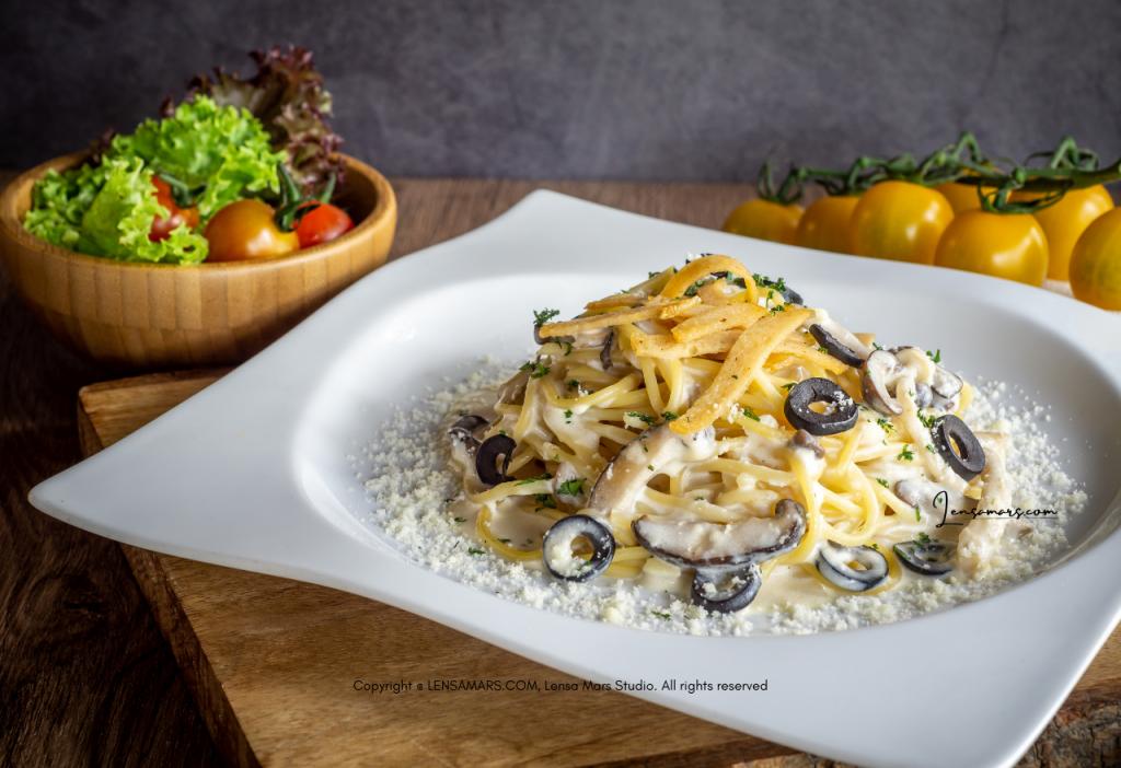 spaghetti food photography